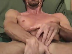 Mature Amateur Dwayne Jacking Off