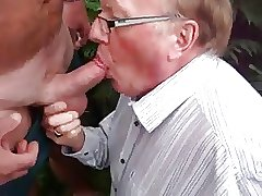 Daddy blowjob in outdoor