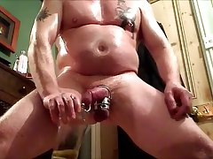 Muscle Dad Bulge & Piddle Show with Oil