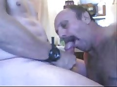 A man sucking a nice cock