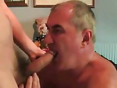 Gay older men sucking a nice dick